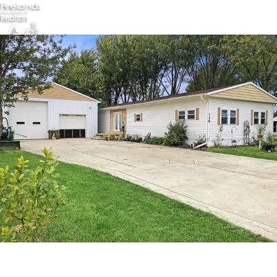 Port Clinton Single Family Home For Sale: 716 S Toledo Street