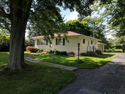 Port Clinton Single Family Home For Sale: 4051 W Harbor Road