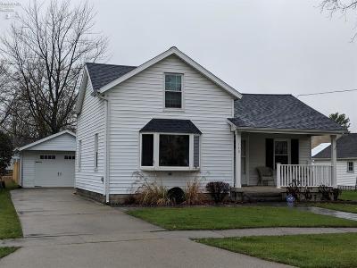 Oak Harbor Single Family Home For Sale: 149 N Toussaint Street