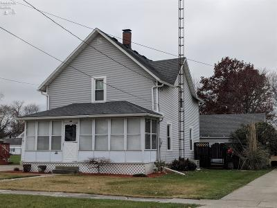 Oak Harbor Single Family Home For Sale: 145 N Toussaint Street