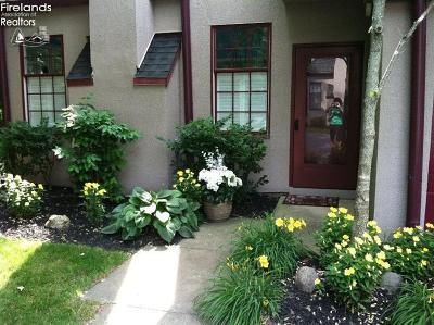 Port Clinton Condo/Townhouse For Sale: 4370 Marin Woods