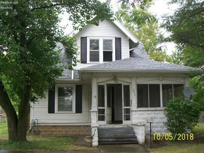 Oak Harbor Single Family Home For Sale: 222 W Oak