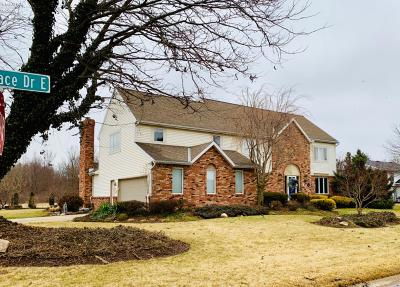 Sandusky Single Family Home For Sale: 521 E Stoneplace Drive