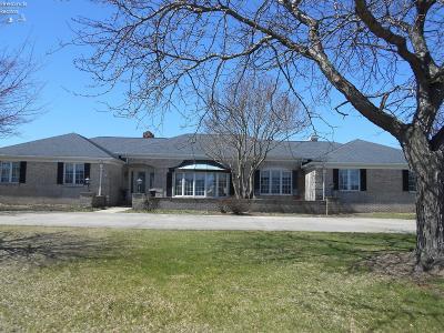 Oak Harbor Single Family Home For Sale: 307 S Robinson Drive