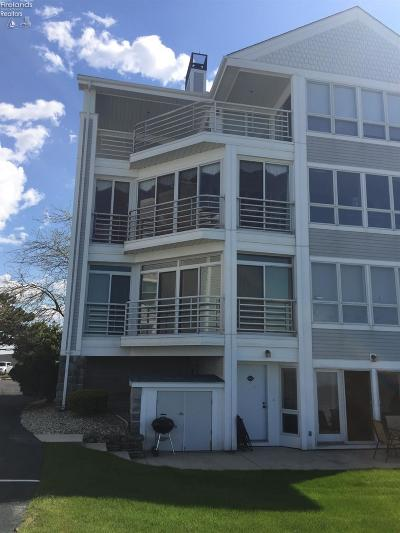 Port Clinton Condo/Townhouse For Sale: 1957 Yacht Port Beach Road #P