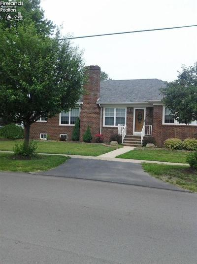 Huron OH Single Family Home For Sale: $180,000