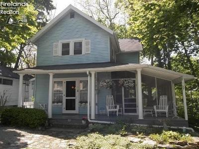 Lakeside Single Family Home For Sale: 344 Laurel Avenue