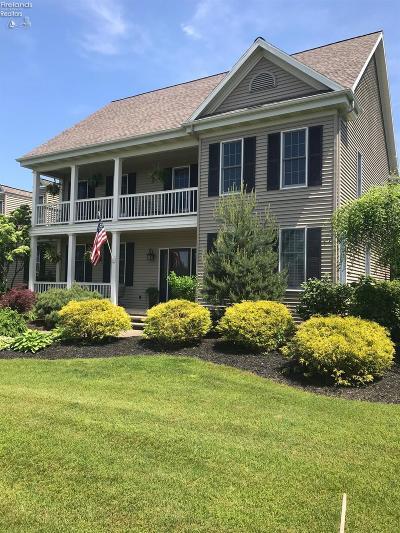 Milan Single Family Home For Sale: 31 Twin Oaks Drive