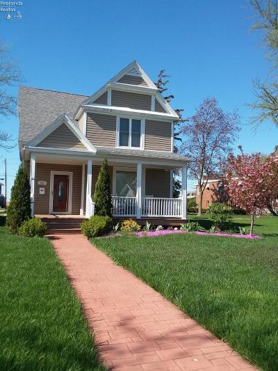 Port Clinton Single Family Home For Sale: 605 E 2nd Street