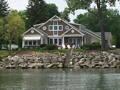 Huron Single Family Home For Sale: 403 Sailaway