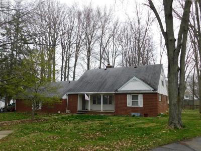 Norwalk Single Family Home For Sale: 33 Hawthorne Drive