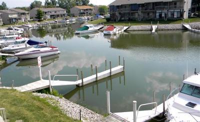 Oak Harbor Condo/Townhouse For Sale: 6378 Harris Harbor Drive