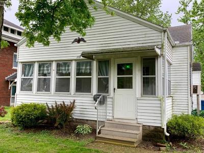 Oak Harbor Single Family Home For Sale: 119 S Maple Street