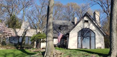 Port Clinton Single Family Home For Sale: 4241 E Cliff Road