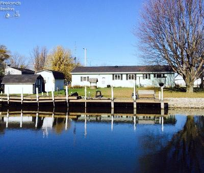 Port Clinton Single Family Home For Sale: 3060 Canal