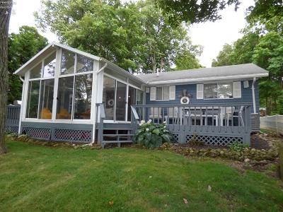 Put-In-Bay Single Family Home For Sale: 1009 West Shore