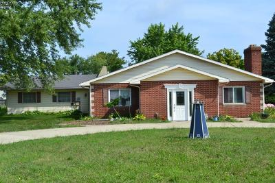 Port Clinton Single Family Home For Sale: 3609 E State Road