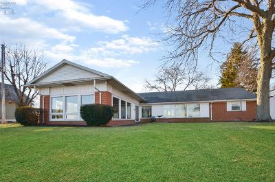 Port Clinton Single Family Home For Sale: 2211 E Sand Road