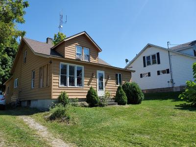 Marblehead Single Family Home For Sale: 87 N Erie Beach Road