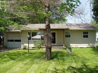 Huron Single Family Home For Sale: 2901 Cleveland