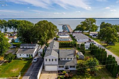 Marblehead Single Family Home For Sale: 7426 E Bayshore Road