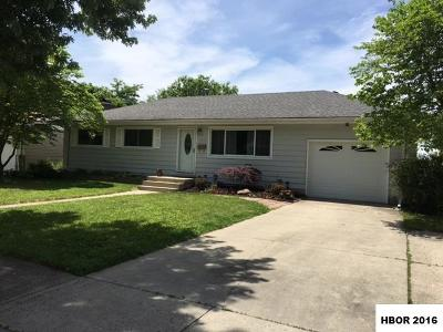 Single Family Home Sold Co-Op: 1932 Del Monte Dr