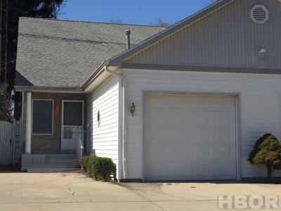 Findlay OH Condo/Townhouse For Sale: $98,888