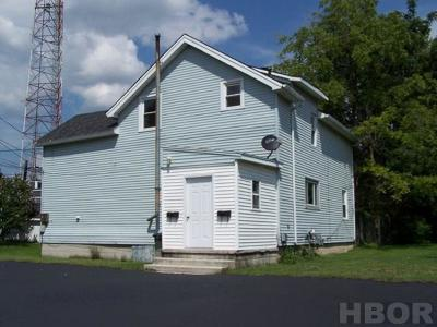 Fostoria OH Multi Family Home For Sale: $60,000