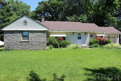 Findlay OH Single Family Home For Sale: $114,000