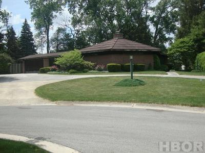 Fostoria OH Single Family Home For Sale: $275,000
