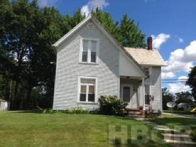 Fostoria Single Family Home For Sale: 614 W Fremont