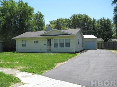 Fostoria Single Family Home For Sale: 815 Eastern Ave.