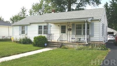 Single Family Home For Sale: 660 Marian