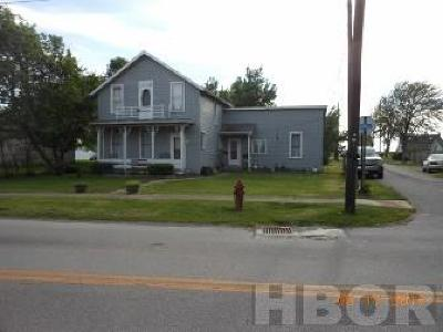 Single Family Home For Sale: 373 N Main