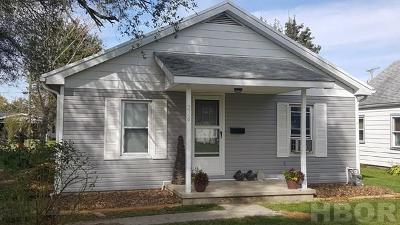 Fostoria Single Family Home For Sale: 216 McLean St