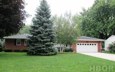 Fostoria OH Single Family Home For Sale: $131,900