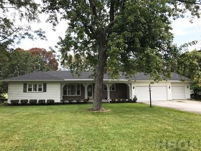 Fostoria Single Family Home For Sale: 924 Country Club