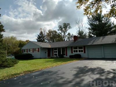 Findlay OH Single Family Home For Sale: $137,900