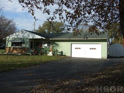 Fostoria Single Family Home For Sale: 608 Broadway