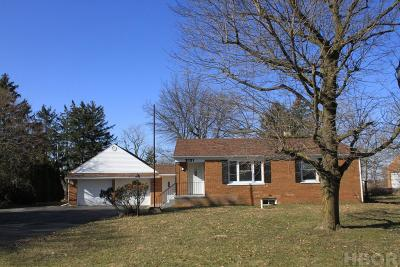 Fostoria Single Family Home For Sale: 2131 McCutcheonville Rd