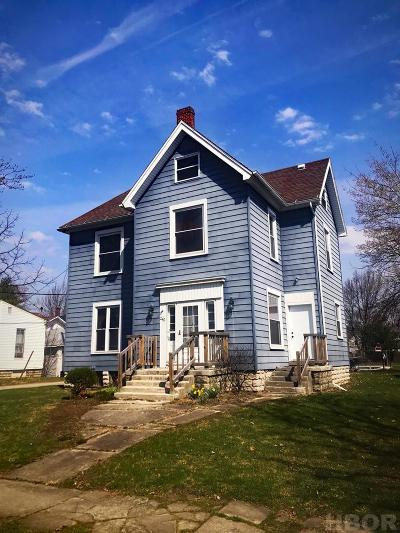 Fostoria Single Family Home For Sale: 242 College Ave.