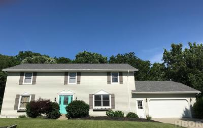 Findlay Single Family Home For Sale: 3023 Pepper Pike