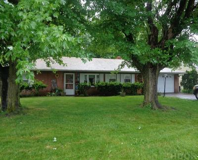 Findlay OH Single Family Home For Sale: $112,400