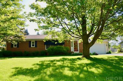 Fostoria Single Family Home For Sale: 210 Vickie Lane