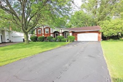 Fostoria Single Family Home For Sale: 482 Eisenhower Dr