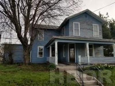 Mt Blanchard Single Family Home For Sale: 103 E Market St