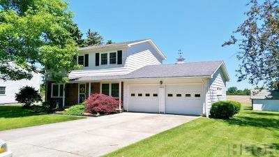 Fostoria Single Family Home For Sale: 10679 W Crestview
