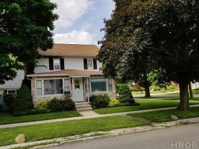 Fostoria Single Family Home For Sale: 302 W Jackson
