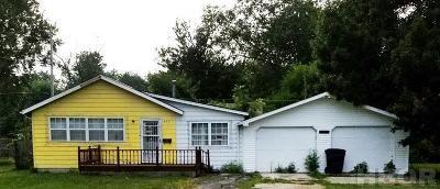 Single Family Home For Sale: 737 Lynn St.