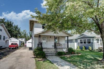 Single Family Home For Sale: 220 18th St
